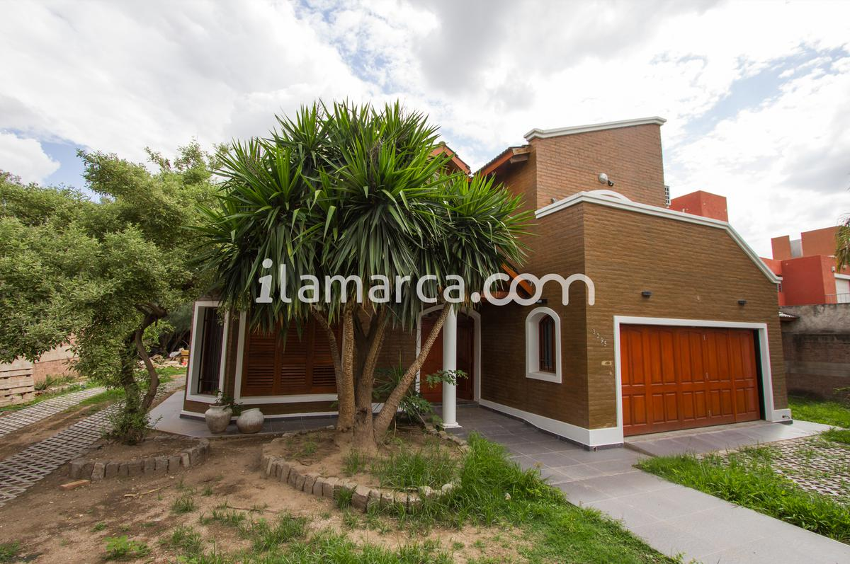 Foto Casa en Alquiler en  Las Rosas,  Cordoba  Nicanor Riesco