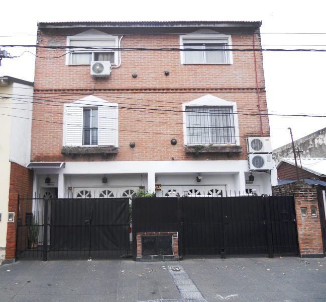 Foto Casa en Venta en  Munro,  Vicente Lopez  Castro, Ramón al 4600