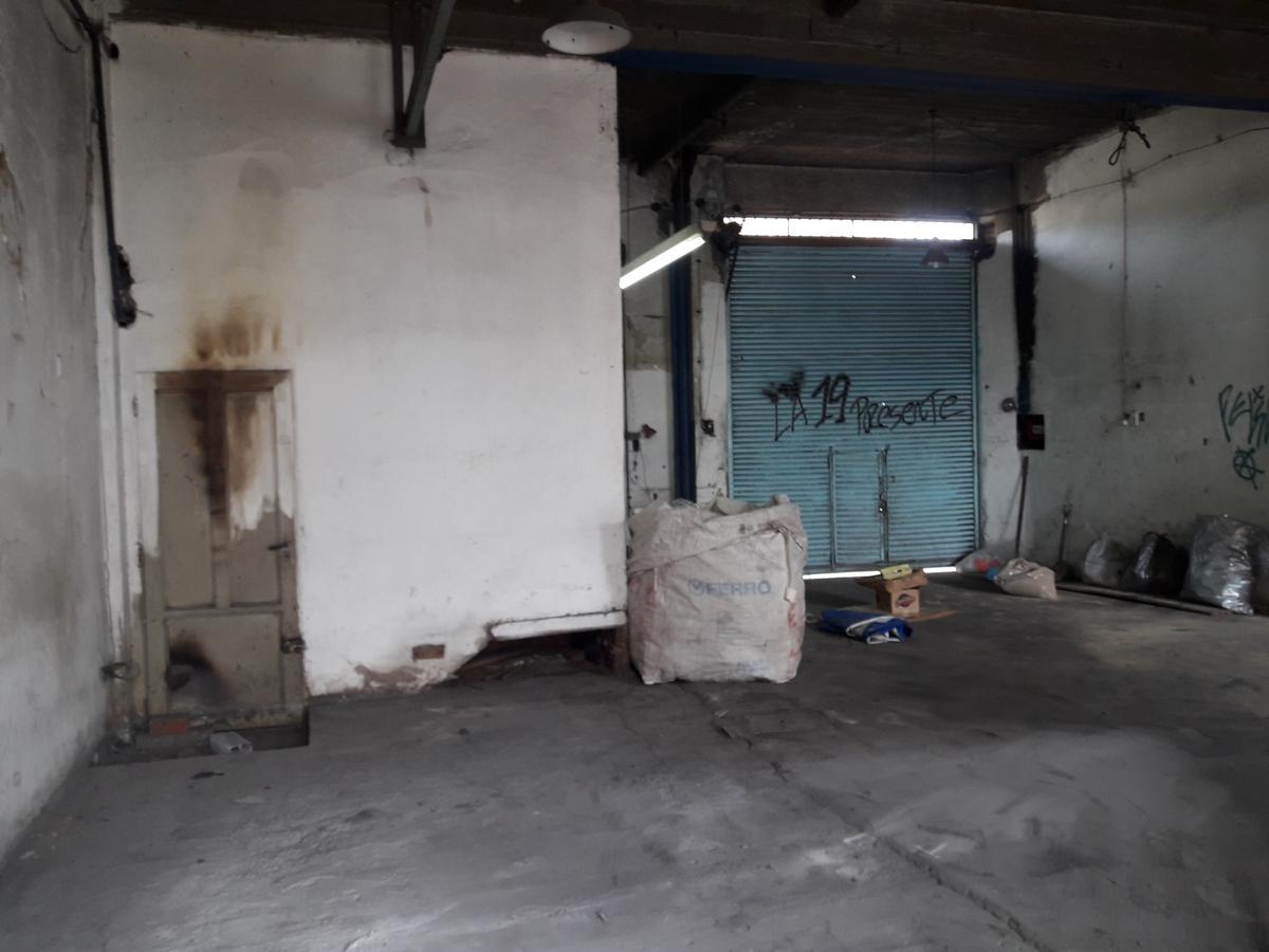 Foto Local en Alquiler en  Lanús Oeste,  Lanús  Resistencia al 1000