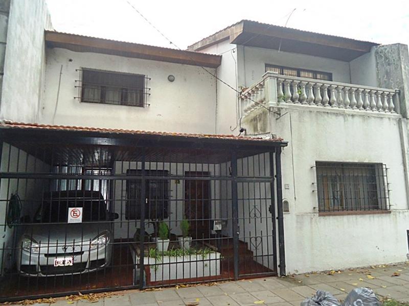 Foto Casa en Venta en  V.Lopez-Maipu/ Río,  Barrio Vicente López  Azcuenaga al 0