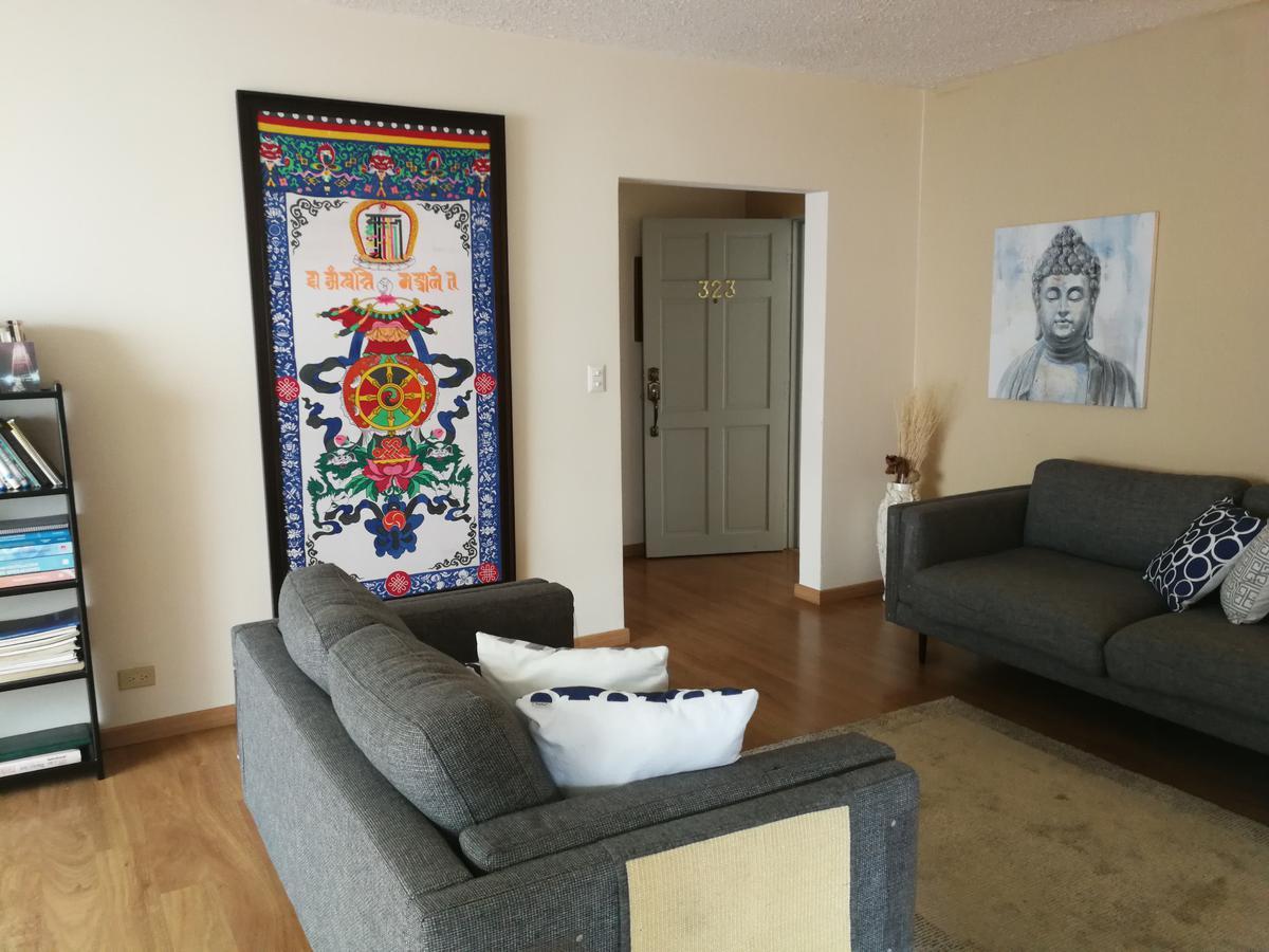 Foto Departamento en Venta en  Uruca,  San José  Apartamento cerca de Hospitales / Remodelado