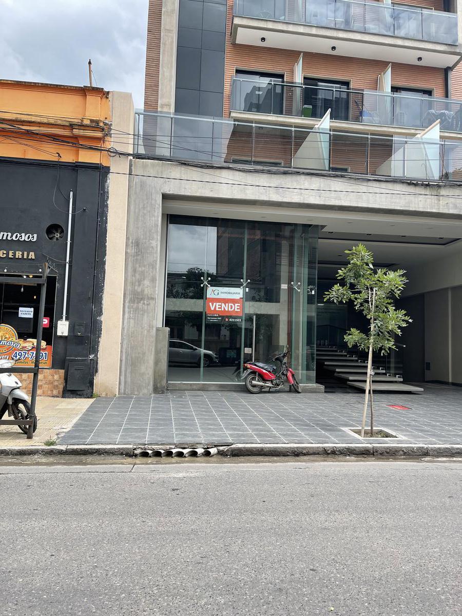 Foto Local en Alquiler en  Barrio Sur,  San Miguel De Tucumán  Local Comercial calle Rioja al 100