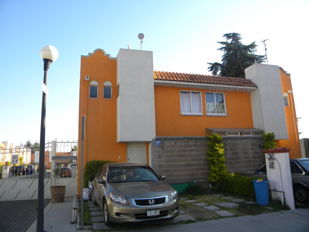 Foto Casa en condominio en Renta en  Santa María Totoltepec,  Toluca  Ahuehuetes