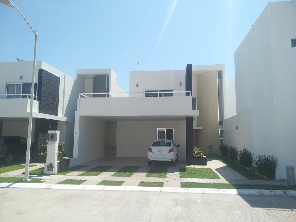 Foto Casa en Venta en  Centro ,  Tabasco  Cluster 2 Country