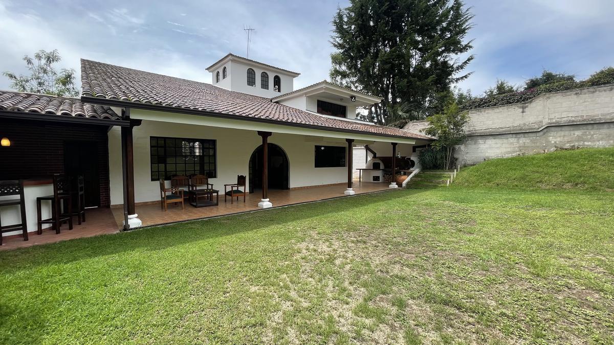 Foto Casa en Venta en  Norte de Quito,  Quito  Urbanización Colegio Francés