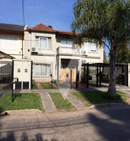 Foto Casa en Venta en BADARACCO entre ATACAMA y COLONIA, Argentina | G.B.A. Zona Oeste | Ituzaingó