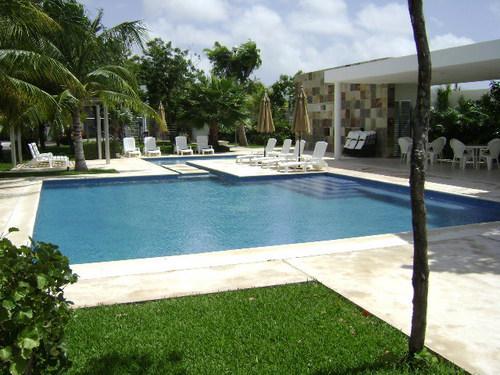 Foto Casa en condominio en Venta   Renta en  Cancún Centro,  Cancún  VENDO O RENTO CASA EN REDIDENCIAL LA CALMA