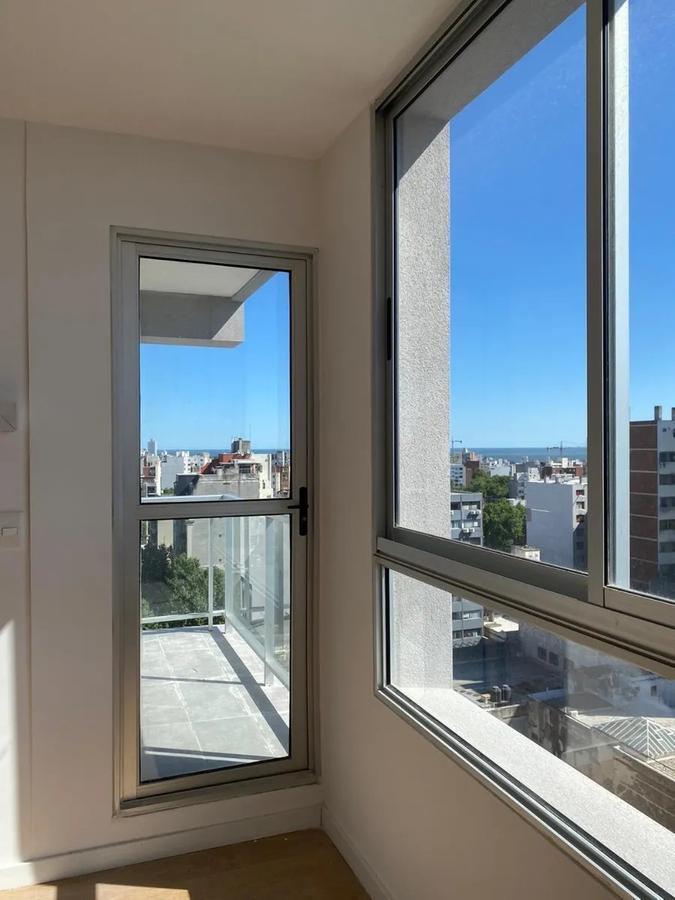Foto Apartamento en Alquiler en  Cordón ,  Montevideo  Cordon - 18 de julio -  2 DORM
