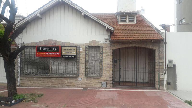 Foto Casa en Venta en  Banfield Este,  Banfield  SERRANO 227