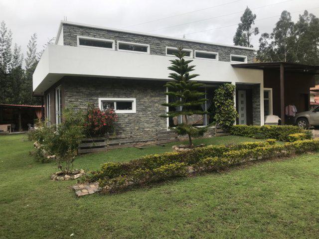 Foto Quinta en Venta en  Llacao,  Cuenca  Jacarín