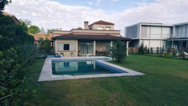 Foto Casa en Venta en  Villanueva,  Countries/B.Cerrado (Tigre)  San isidro Labrador al 100