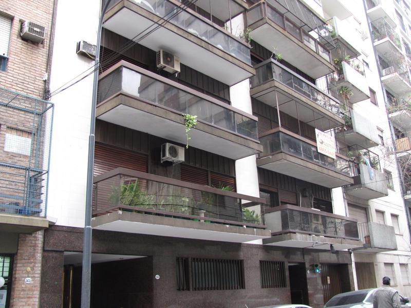 Foto Departamento en Venta en  Barrio Norte ,  Capital Federal  Mansilla al 2400 entre Av. Pueyrredón y Larrea