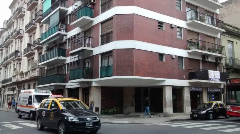 Foto Departamento en Venta en  Constitución ,  Capital Federal  Tacuari al 1000