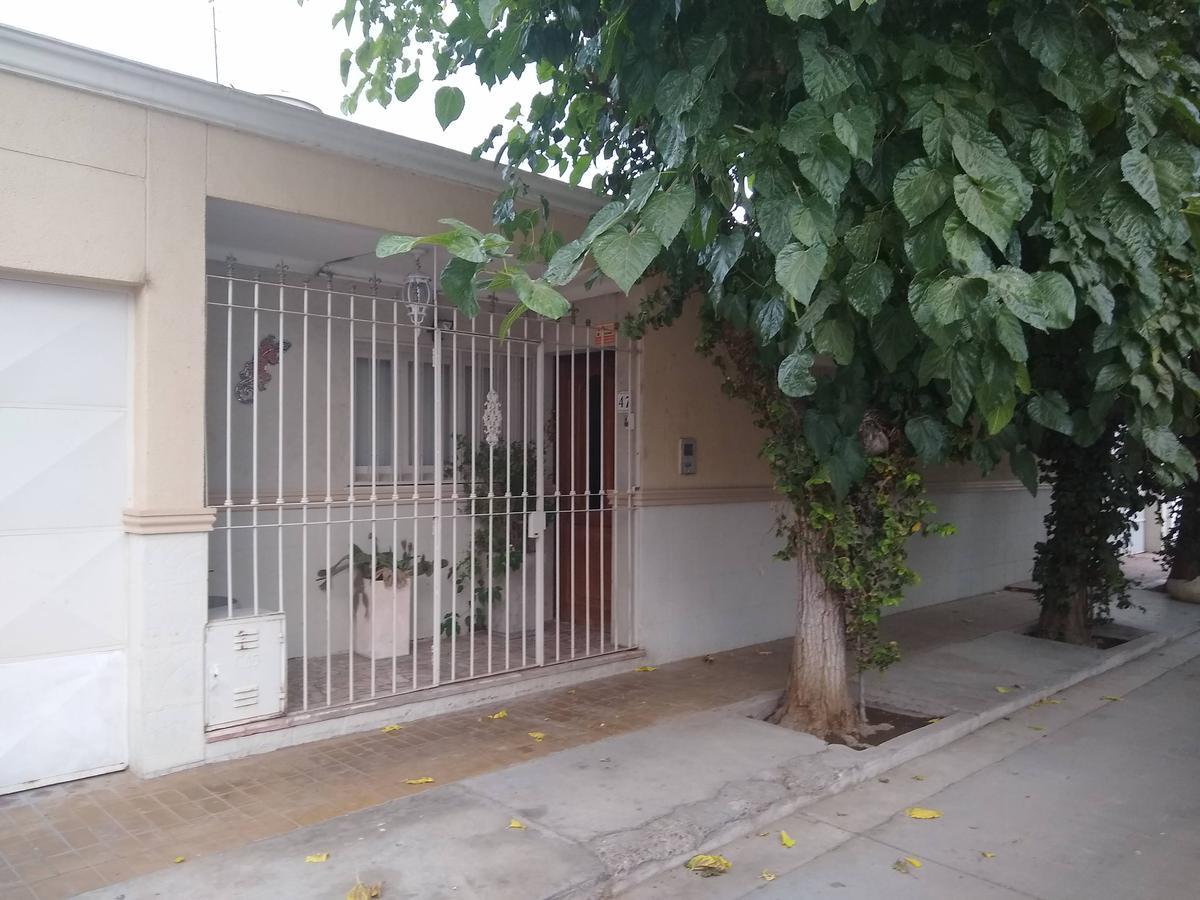 Foto Casa en Venta en  Capital ,  San Juan  Maipu al 400