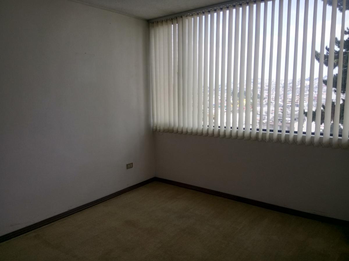 Foto Departamento en Venta en  Norte de Quito,  Quito  Vendo departamento - 6 dormitorios - 235 M2 sector Las Palmera