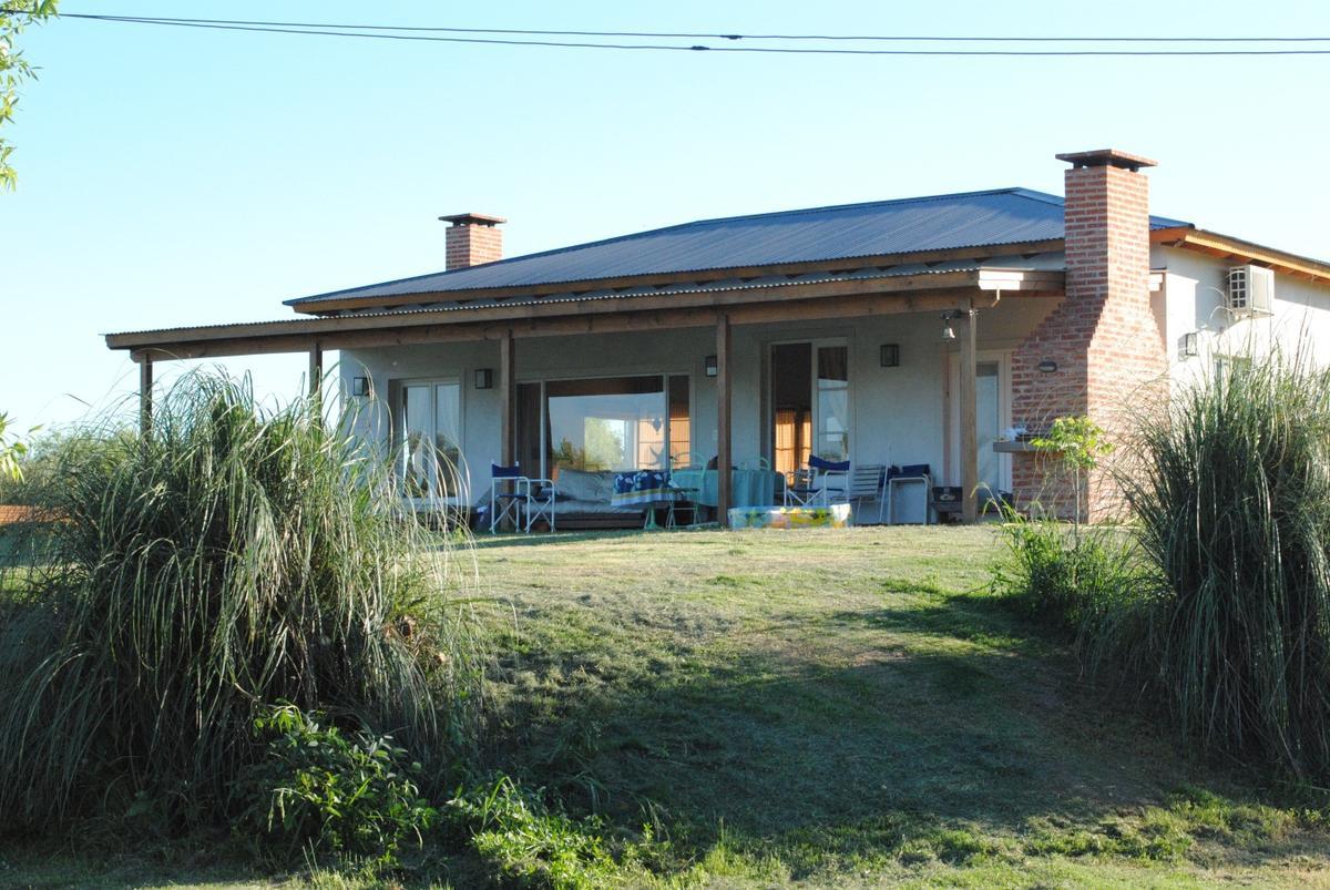 Foto Casa en Alquiler temporario en  Villa Paranacito,  Islas Del Ibicuy  Chacra Villa Paranacito