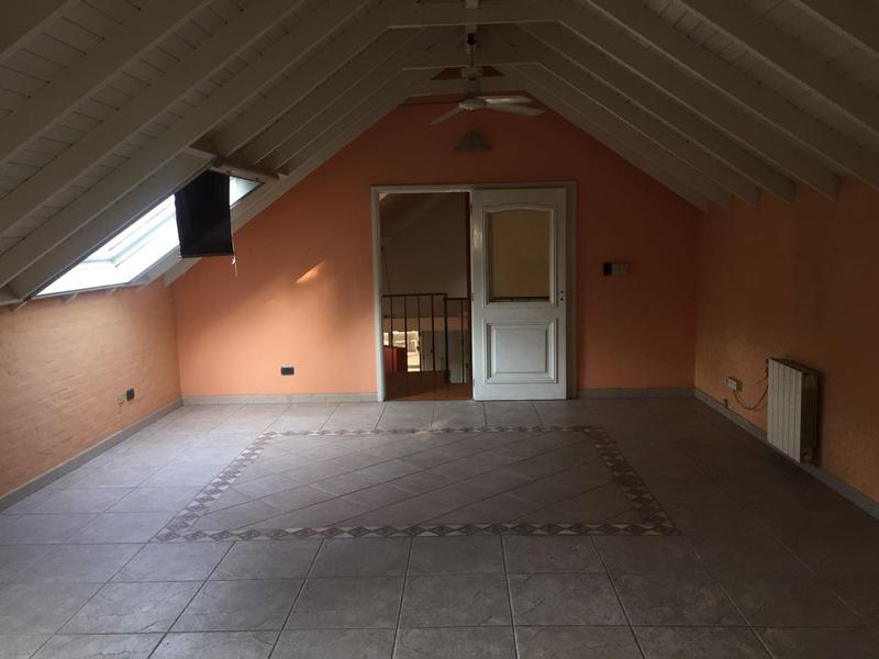 Foto Casa en Venta en  Barrio Parque Leloir,  Ituzaingo  Jose Hernandez al 2600