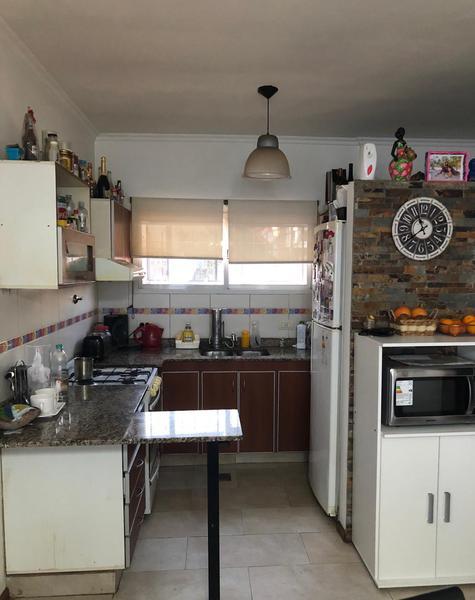 Foto Casa en Venta en  Lanús Oeste,  Lanús  miguel cane al 700