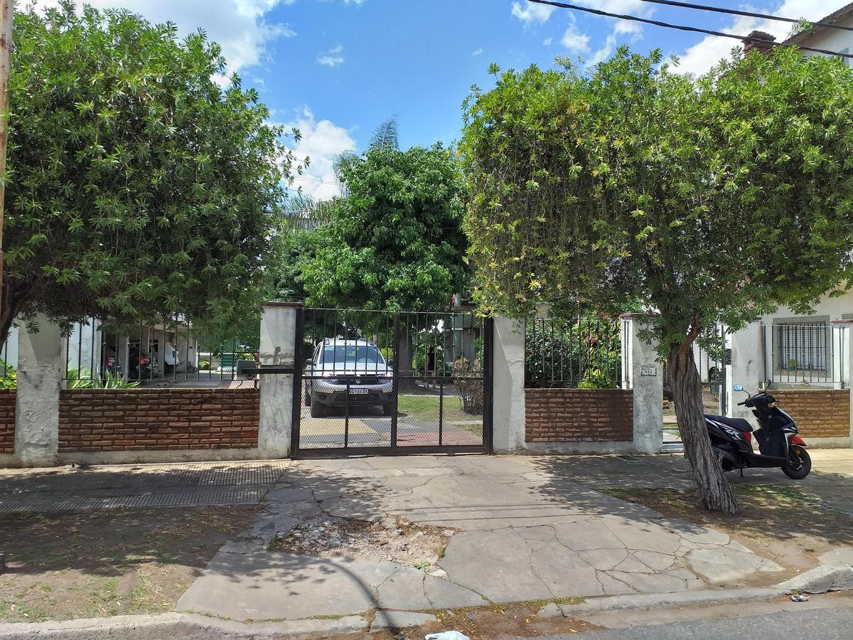 Foto Casa en Venta en  Villa Luzuriaga,  La Matanza  Cuba al 400