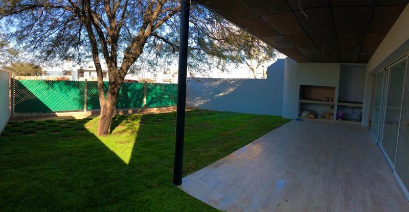 Foto Casa en Venta en  Miradores de Manantiales,  Cordoba Capital  Miradores de Manantiales - Casa a Estrenar! 3 Dormitorios! Amplio Living