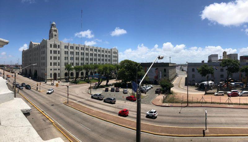 Foto Local en Alquiler en  Ciudad Vieja ,  Montevideo  RAMBLA 25 DE AGOSTO 1600