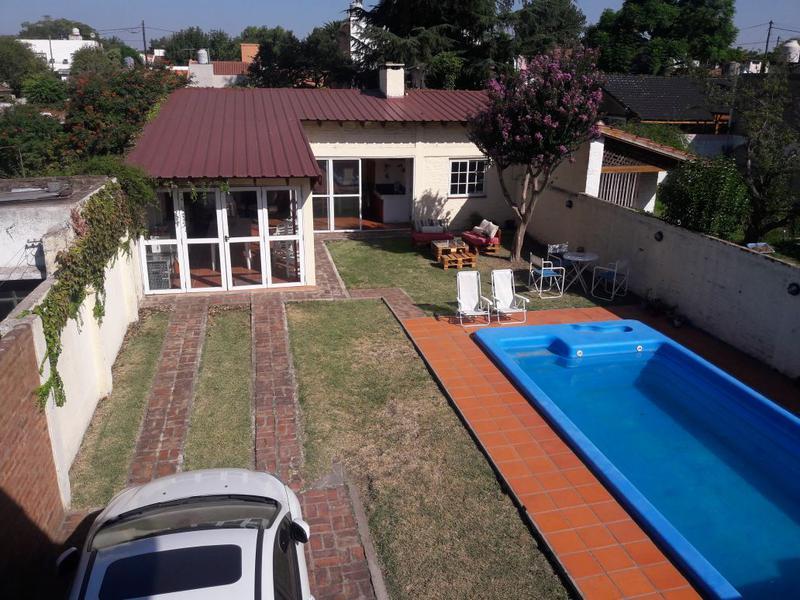 Foto Casa en Venta en  Jose Marmol,  Almirante Brown  CONSCRIPTO BERNARDI 2152 e. Dorrego y Etcheverria