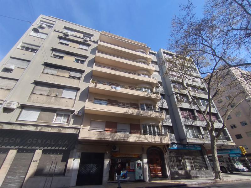 Foto Departamento en Venta en  Centro (Montevideo),  Montevideo  Centro (Montevideo)