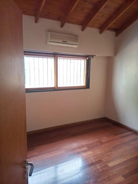 Foto Casa en Venta en  Remedios De Escalada,  Lanús  DEL VALLE IBERLUCEA  4900