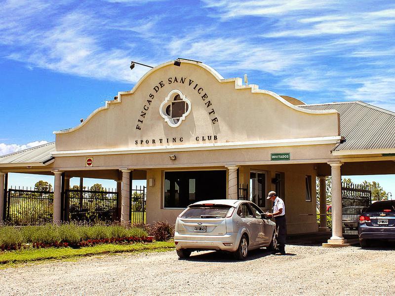 Foto Terreno en Venta en  Barrio Fincas de San Vicente,  Countries/B.Cerrado (San Vicente)  Venta - Lote en Fincas de San Vicente