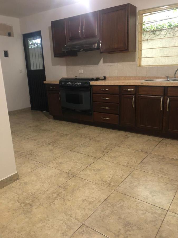 Foto Casa en Renta en  Palo Blanco,  San Pedro Garza Garcia  CASA EN RENTA VALLE, CERCA UDEM, ALFONSO REYES $20,000