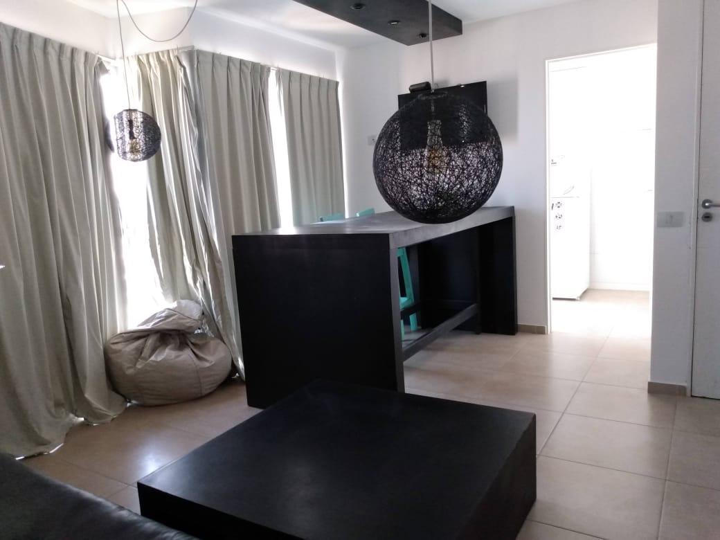 Foto Departamento en Alquiler en  General Paz,  Cordoba  Piso Alto - Un Dormitorio con Dos Baños - Posiblidad Cochera - B° General Paz