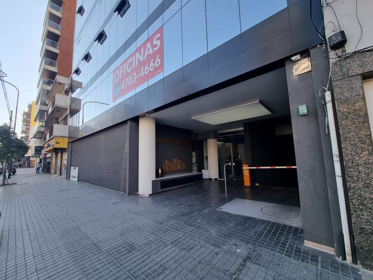 Foto Local en Alquiler en  Colegiales ,  Capital Federal  alvarez thomas al 900