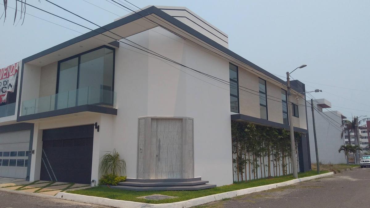 Foto Casa en Venta en  Fraccionamiento Costa de Oro,  Boca del Río  Casa en venta en Fracc. Costa de Oro, Boca del Rio, Ver.