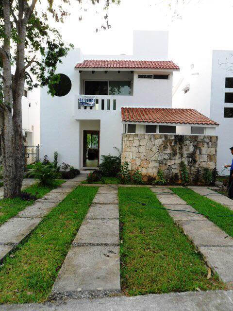 Foto Casa en Venta en  Fraccionamiento Playacar Fase II,  Solidaridad  Villa 2 Rec 3.5 baños Real del Carmen