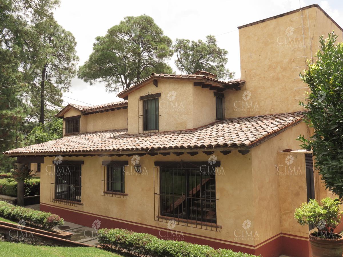 Foto Casa en Venta en  Del Bosque,  Cuernavaca  Impecable Casa en el Bosque - V192