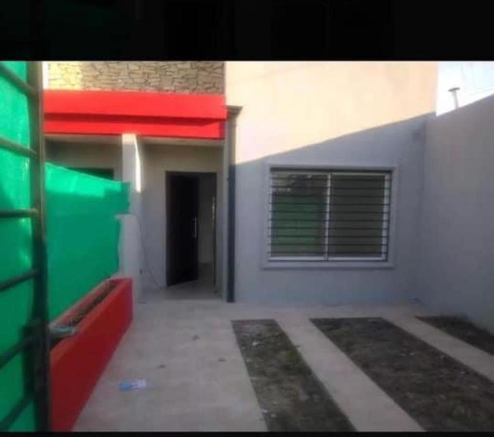 Foto Departamento en Venta en  Castelar Sur,  Castelar  Granada al 3800