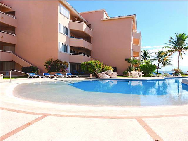 Foto Departamento en Renta temporal en  Puerto Aventuras,  Solidaridad  Condominio 3 Rec. con  Playa