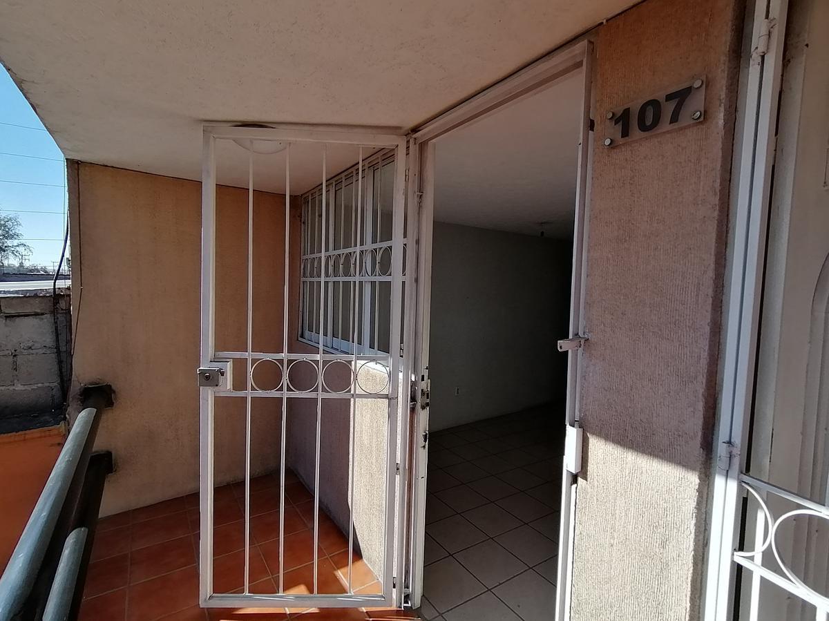 Foto Oficina en Renta en  Buenavista,  San Mateo Atenco  Blvd. Miguel Alemán y Tollocan