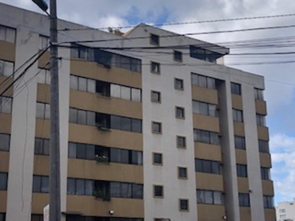 Foto Departamento en Alquiler en  Norte de Quito,  Quito   Monteserrín, amplio departamento con vista