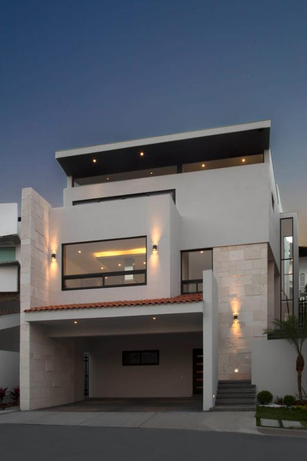 Foto Casa en Venta | Renta en  Sierra Alta 9o Sector,  Monterrey  Casa en Venta - Sierra Alta