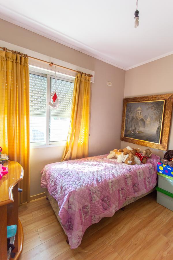 Foto Casa en Venta en  Azcuenaga,  Rosario  LINIERS 1440