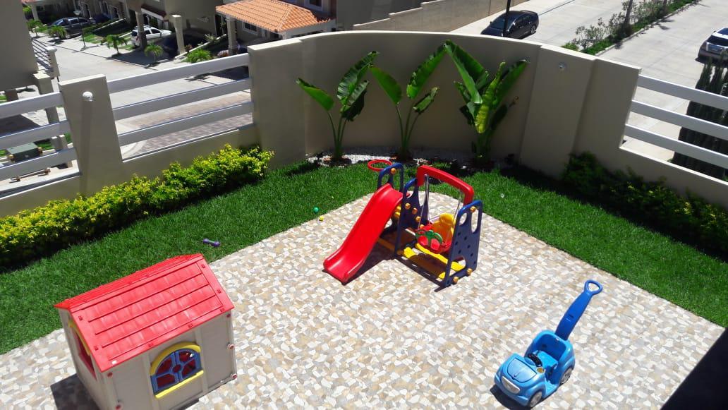 Foto Casa en Venta en  El Sauce,  Distrito Central  Amplia casa en Res. Sauce