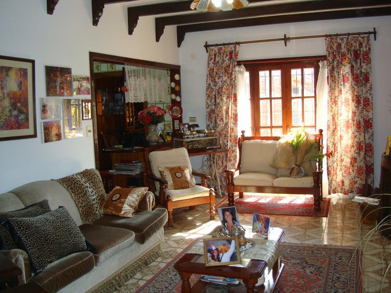 Foto Casa en Alquiler en  San Miguel,  San Miguel  serrano al 1054