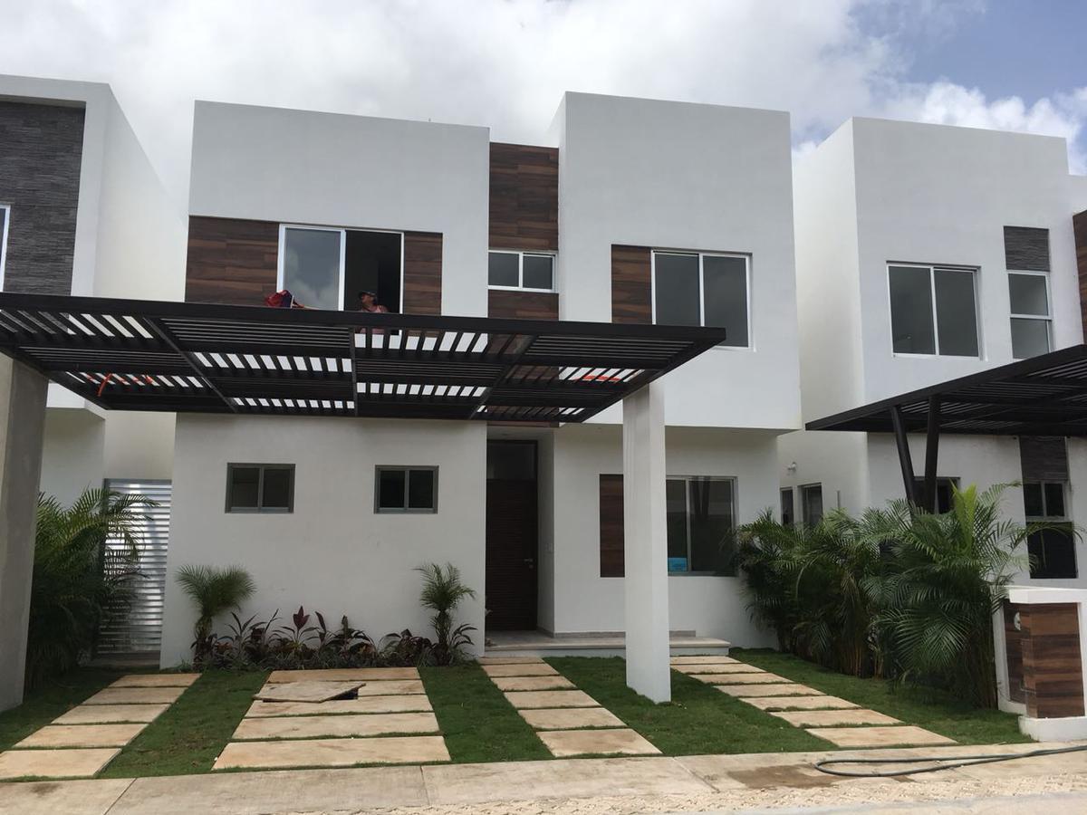 Foto Casa en Renta en  Aqua,  Cancún   CASA EN VENTA/RENTA EN CANCUN EN RESIDENCIAL AQUA