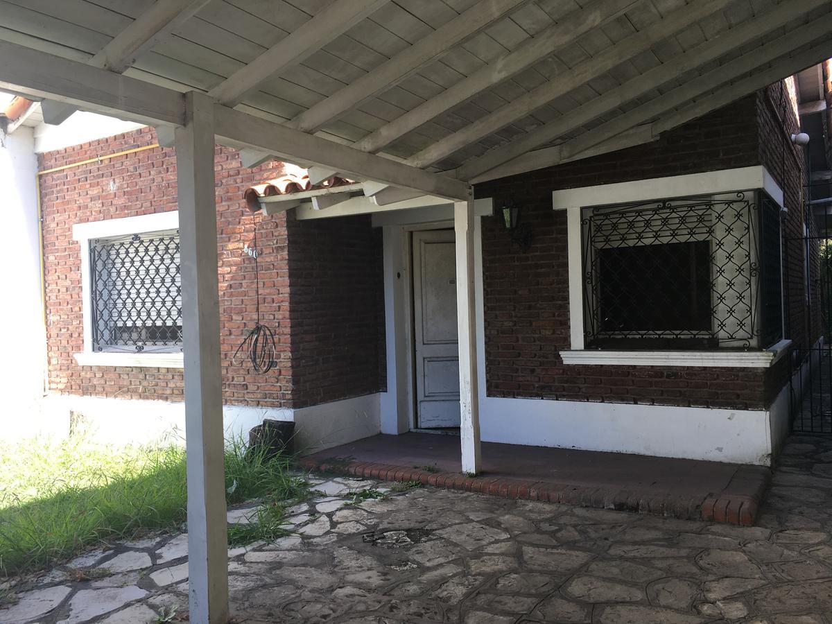 Foto Casa en Venta en  Adrogue,  Almirante Brown  CORDERO al 800