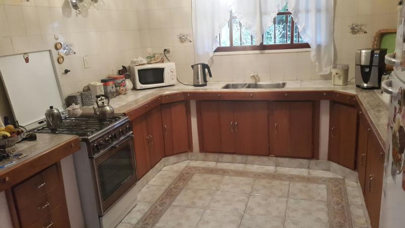 Foto Casa en Venta |  en  Neuquen,  Confluencia  AMARANTO SUAREZ 900