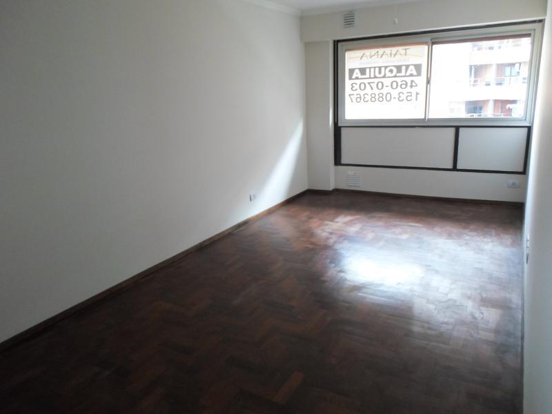 Foto Departamento en Alquiler en  Nueva Cordoba,  Capital  Bv. Illia al 400