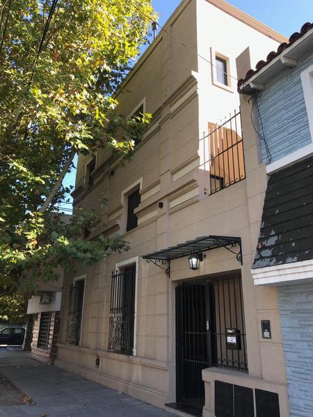 Foto Departamento en Venta en  Lanús Oeste,  Lanús  Carlos Gardel al 400