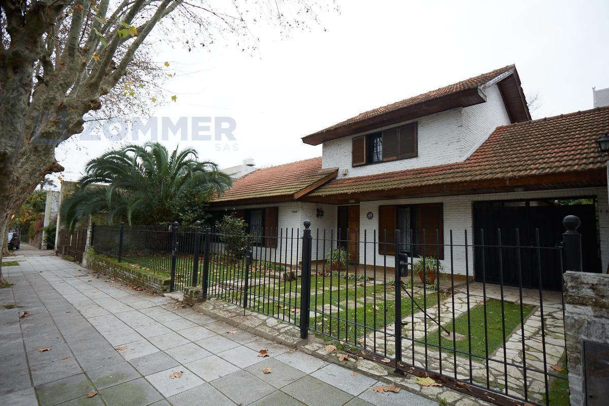 Foto Casa en Venta en  Olivos-Qta.Presid.,  Olivos  CASA EN UNA PLANTA DOBLE LOTE - Marconi 1300