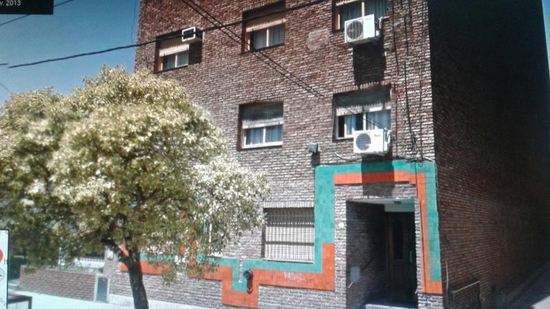Foto Departamento en Venta en  Gerli,  Avellaneda  Italia al 2100